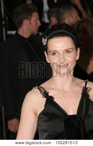 CANNES, FRANCE - MAY 14: Juliette Binoche  attends a screening of 'Cache' at the Grand Theatre during the 58th International Cannes Film Festival May 14, 2005 in Cannes, France