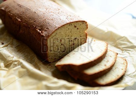 Sliced bread with almonds
