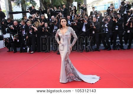 CANNES, FRANCE - MAY 18: Actress Eva Longoria attends the Premiere of 'Inside Out' during the 68th annual Cannes Film Festival on May 18, 2015 in Cannes, France.