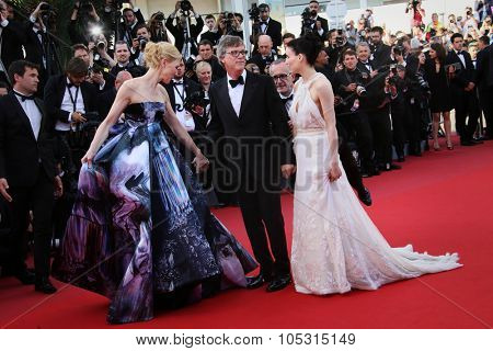 Cate Blanchett, Rooney Mara & director Todd Haynes  attend the 'Carol' Premiere during the 68th annual Cannes Film Festival on May 17, 2015 in Cannes, France.