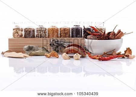 Assorted Of Spice Bottles Condiment Black Pepper ,white Pepper, Black Mustard,white Mustard,fenugree