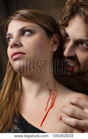vampire bites a girl