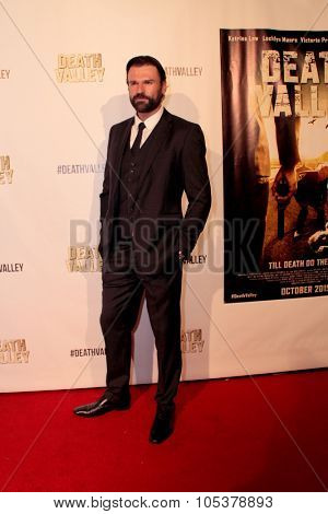 LOS ANGELES- OCT 17: Stephen Dunlevy arrives at the