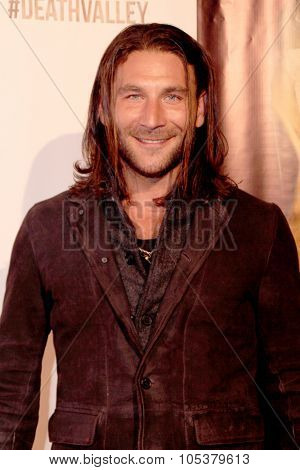 LOS ANGELES- OCT 17: Zach McGowan arrives at the