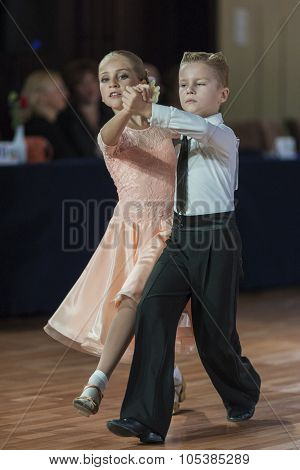Minsk, Belarus-september 26, 2015: Starkov Arseniy And Popko Anastasiya Perform Juvenile-1 Standard
