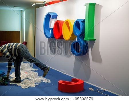 Installation Of Google Logo