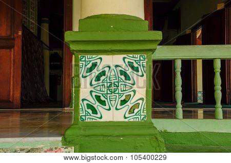 Wall tiles detail at Air Barok Mosque