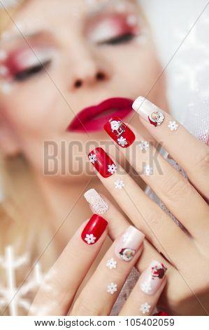 Christmas manicure .