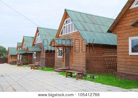 The image of log houses