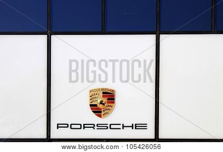 Porsche Dealer Logo