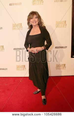 LOS ANGELES- OCT 17: Dawn Wells arrives at the