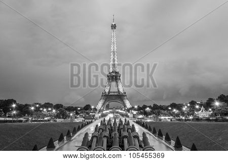 Paris, France - May 14, 2015: Beautiful View Of Eiffel Tower From The Trocadero