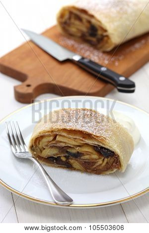 homemade apfelstrudel, apple strudel
