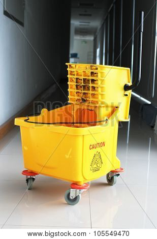 Squeeze Mop Bucket Regulation