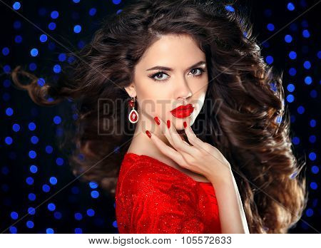 Hair. Beautiful Brunette Girl Model With Curly Hairstyle, Red Lips Makeup, Manicured Nails, Luxury F