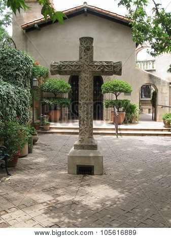 Massive beautiful stone cross in Tlaquepaque village