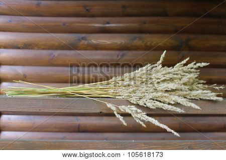 A bunch of dried grass.