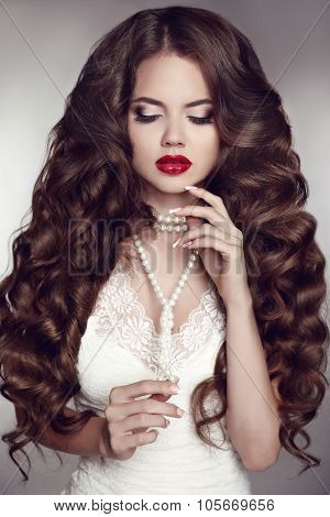 Healthy Long Hair. Girl Makeup. Beautiful Brunette. Red Lips. Pearl Necklace Jewelry. Beauty Model W