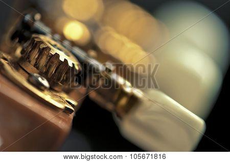 guitar tuning mechanism