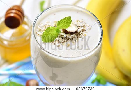 Banana Smoothie With Oats And Hazelnuts.