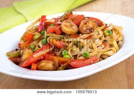 Shrimp Sauté Noodle With Red Pepper