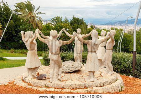 Barcelona. Sardana sculptural composition.