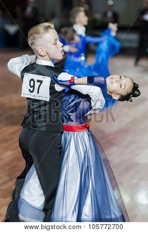 Minsk, Belarus-september 27, 2015: Prahov Ivan And Sackevich Ekaterina Perform Juvenile-1 Standard P