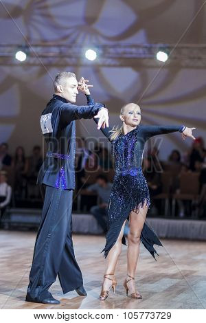 Minsk,belarus-september 27,2015:sazin Artem And Sosnovska Valeriia Perform Youth Latin-american Prog