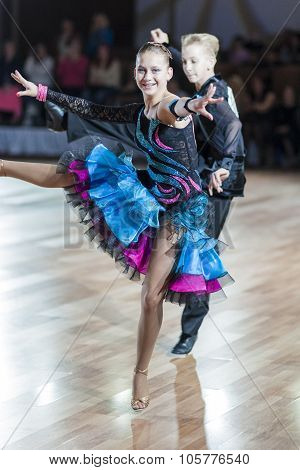 Minsk, Belarus-september 27, 2015: Kolosov Nikita And Evmenchik Olga Perform Juniors-2 Latin -americ