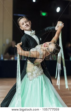 Minsk, Belarus-september 27, 2015: Kuntcevitch Iliya And Stasyuk Ekaterina Perform Youth Standard Pr