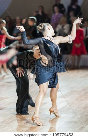 Minsk, Belarus-september 27, 2015: Danila Shmidt And Alina Gumenyuk Perform Juniors-2 Latin -america