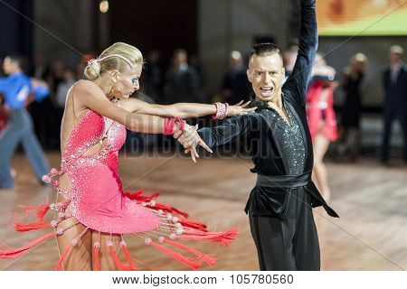 Minsk, Belarus-september 27, 2015: Egor Kosyakov And Anastasiya Belmach Perform Youth Latin- America