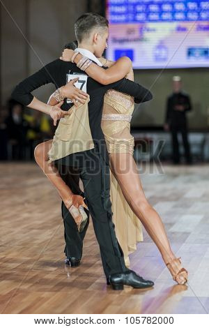 Minsk, Belarus -september 27, 2015: Kuntsevich Iliya And Stasyuk Ekaterina Perform Perform Juvenile-