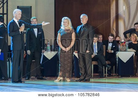 Minsk,belarus-september 27,2015: John Gusenhoffer And Irina Lobanova(usa)greet Organizers Of The Cha