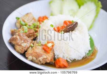 Braised pork with rice
