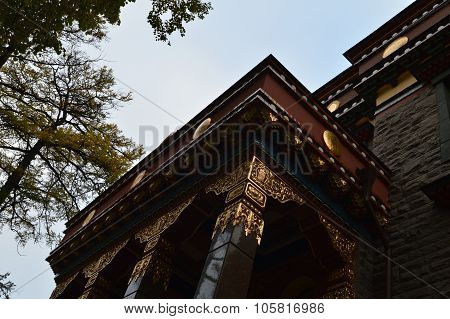 Buddhist Temple Exterior Architecture Entrance