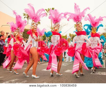 Corralejo - March 17: Samba Dancers Taking Part In Grand Carnival Parade, March 17, 2012 In Corralej