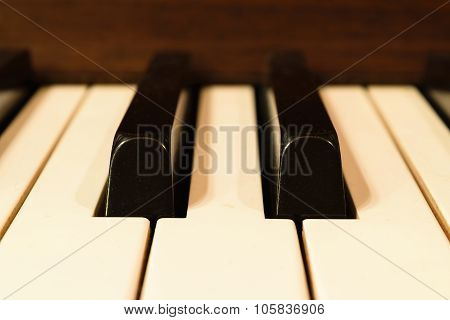 Piano Keys, Zoom In