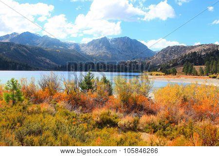 June lake in eastern Sierra mountains