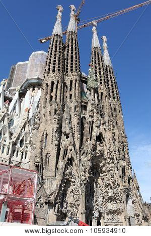 La Sagrada Familia Impressive Cathedral Designed By Gaudi