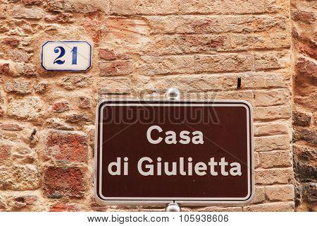 Juliet's House Street Sign In Verona - Italy