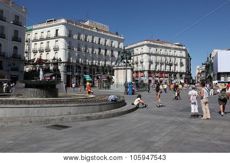 Madrid - June 15: People At Puerta Del Sol Near Monument To Carl