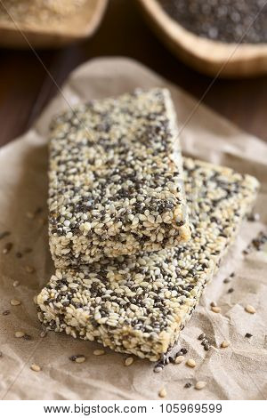 Chia and Sesame Granola Bars