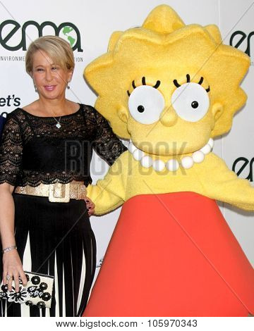 LOS ANGELES - OCT 24:  Yeardley Smith, Lisa Simpson charachter at the Environmental Media Awards 2015 at the Warner Brothers Studio Lot on October 24, 2015 in Burbank, CA