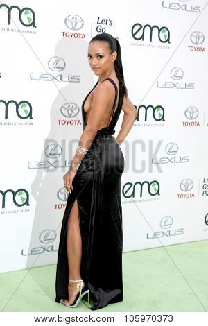 LOS ANGELES - OCT 24:  Karrueche Tran at the Environmental Media Awards 2015 at the Warner Brothers Studio Lot on October 24, 2015 in Burbank, CA