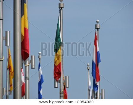 Still Flags