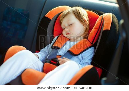 baby girl slip in car