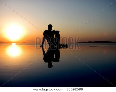 Man relaxing at the sea