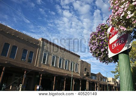 Don't Enter Sign In Teh Center Of Santa Fe