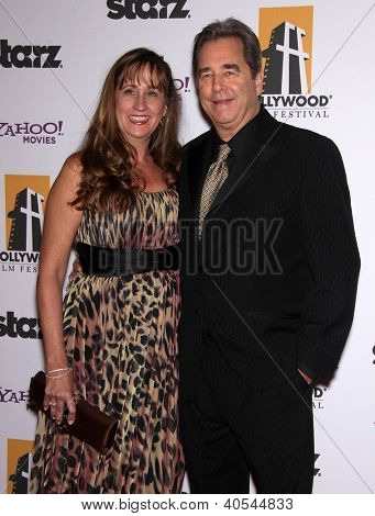 LOS ANGELES - OCT 24:  BEAU & WENDY BRIDGES arriving to 15th Annual Hollywood Film Awards Gala  on October 24, 2011 in Beverly Hills, CA